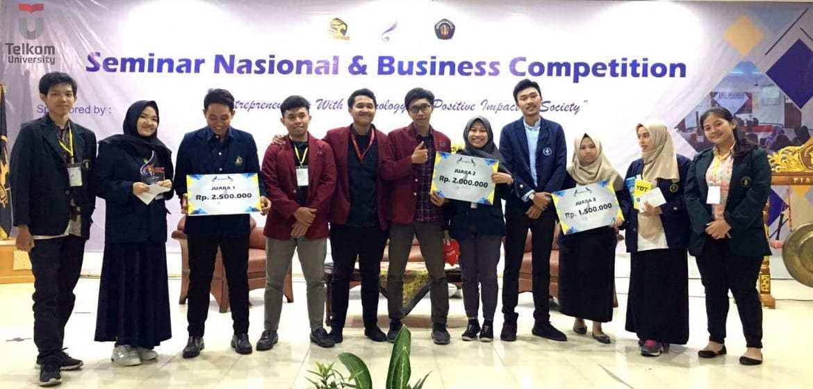 Bank Sampah Tel-U Sabet Juara Business Competition